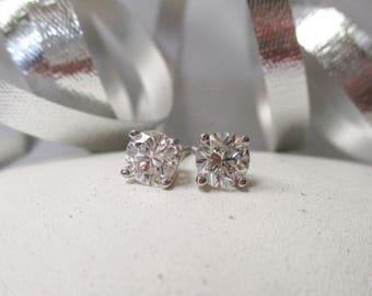 14K White Gold Diamond Stud Earrings, .92 ctw.