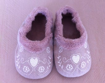 beige embroidered suede baby booties
