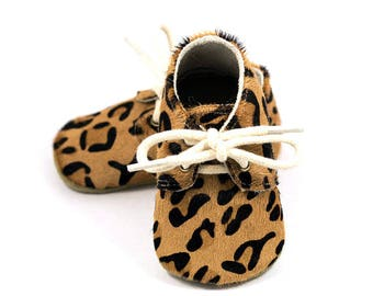 Leopard baby oxford shoes, baby mocs, brown moccasins for baby girls, crib shoes, baby girl birthday shoes, baby shower gift