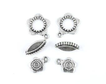 x 2 (09th) silver plated flower toggle clasp