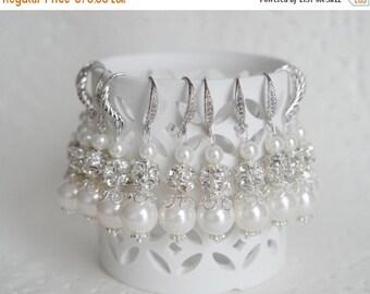 Sale Bridesmaid Earrings Set of 7 Pearl  Earrings Ivory Pearl Bridesmaid 7 pair Earrings Ivory Wedding Party Earrings Bridesmaid Gift  Jewel