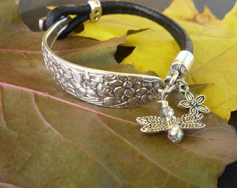 Narcissus Leather Strap Bracelet