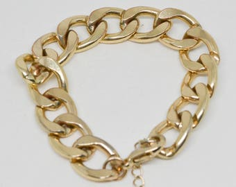 Lovely gold tone link bracelet