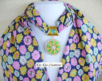 Scarf and jewelry, pendant, gold, shawl, scarf, scarf, flowing fabric, printed multicolored flower, set, women's fashion accessory