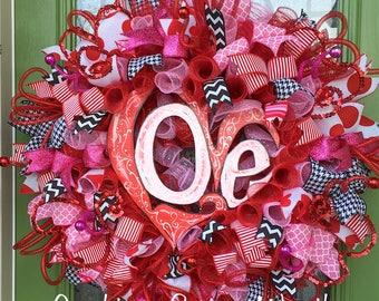 LOVE Valentine's Day Wreath, Valentine Mesh Wreath, Love Valentine Decoration, Valentine Door Decoration, Love Door decoration, Heart Love