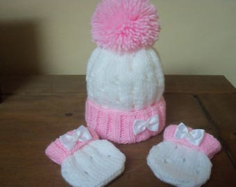 Hand knitted baby girls hat & mitts set