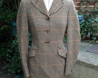 Ladies/Misses English tweed fitted hacking/riding jacket size small by Harry Hall