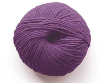Millamia Naturally Soft Merino + Patterns 6.50 +.95ea to Ship - Berry 163 - 136yds - Soft, Squishy, Bouncy, Even Stitch Definition.
