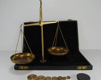 Vintage Brass Jewellery, Jewelry, Apothecary Scale, Jeweler Scale with Weights and Case
