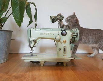 Sewing machine Singer 319 k