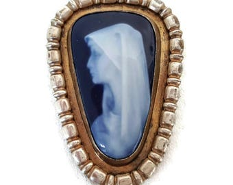 Vintage french Limoges porcelaine brooch, cameo brooch, art deco jewelry