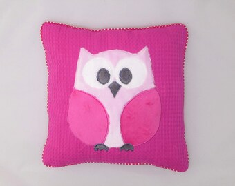 OWL pillow, applique embroidery.