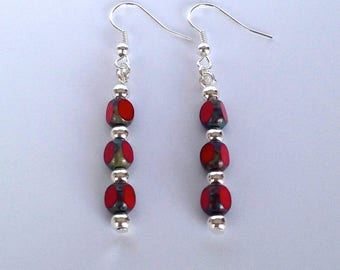 ☆ ☆ red glass beads dangling earrings