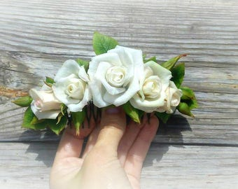 hair accessory,comb rose ,comb  flowers, comb wedding,white roses in  hair,hair flowers,hair clip with roses clip into the bride's hairstyle