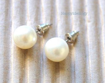 Pearl Studs Earrings. Faux White  Pearl Earrings. Large 10 MM  Pearl Earrings.Bridesmaid Gifts.Classic Pearl Studs Earrings.Pierced Earrings