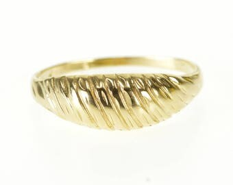 14k Grooved Pattern Graduated Rounded Band Ring Gold