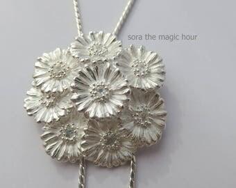 Gerbera Loop tie, Gerbera lariat, Gerbera Y necklace, African Daisy Loop tie, flower Loop tie, sterling silver Loop tie