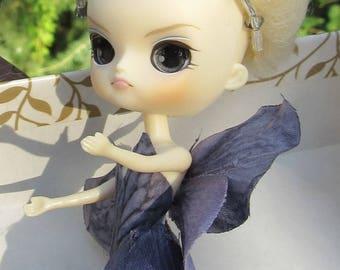 Charcoal, A Petal Pixie Sister