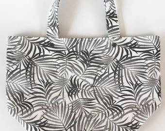 Ferns 4 - 5 Skein Size Interfaced Double Plastic Snap Tote Style Project Bag with built in removable Stitch Marker ring holder with Handles.