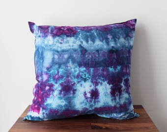 Hand Dyed Pillow in Ultra Violet