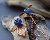 Tiny wild blueberry brooch, Forest berry, Copper jewelry, Electroformed leaf, Blue murano glass, needle brooch, Small brooch, copper pin