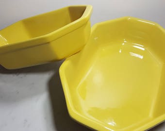 Sunny Yellow Vintage Casserole dishes (Set of 2)