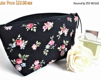 Floral Makeup Bag - Cosmetic Bag - Makeup Bag - Bridesmaid Gift - Gift for Her - Womens Birthday Gift - Floral Zipper Pouch