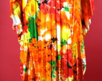 Colorful Floral Hawaiian Caftan One Size Fits All 1970