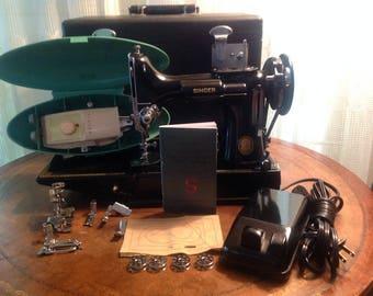 Singer Featherweight Sewing Machine 221