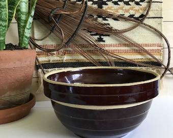 Vintage brown stoneware bowl / 9in brown stoneware bowl / brown stoneware planter / brown stoneware mixing bowl / vintage mccoy mixing bowl
