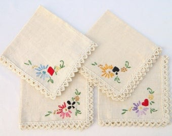 Hand Embroidered Napkins - Set of 4 with flowers and suits of cards: Diamond, heart, spade, club; Linen, cream-colored; Scalloped edging