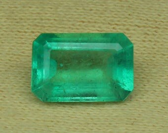 2.54 Ct IGI Certified Natural Colombian Emerald Loose Gemstone