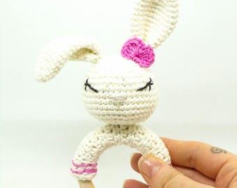 Hochet Lapin / hochet bébé / hochet crochet / cadeau de naissance / jouet bébé / anneau de dentition / cadeau bébé /