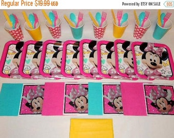ON SALE Minnie Mouse Tableware set for 8