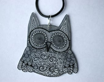 Pretty OWL necklace black and white