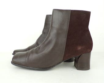 WHITE MOUNTAIN Brown Leather Textured Short Ankle Chunky Heel Boots Size 8M, Low Heels Womens Boots, Short Booties Size 8,