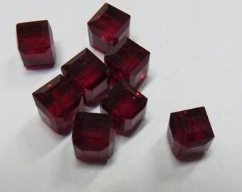 Swarovski 6 mm Siam cube