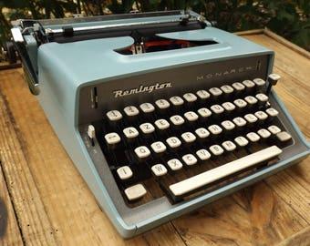 Typewriter REMINGTON Monarch vintage / typewriter collection in its original box