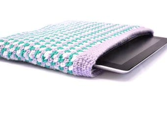 Multicolor Crochet iPad Case: Tablet cover, iPad sleeve, zipper case, padded tablet sleeve. Back to school, gift for student, friend gift.