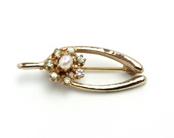 Vintage 1980s Clear Rhinestone, Imitation Pearl and Gold Tone Metal Wishbone Flower Small Brooch Pin