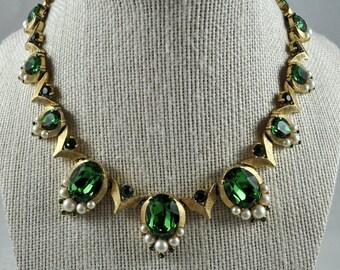 Trifari emerald green choker
