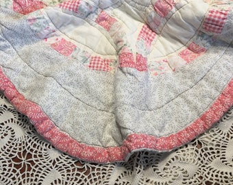Pink and White Wedding Ring Quilt Piece/ Wedding Ring Quilt Layer/ Cutter Quilt Piece