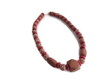 collier marron, collier rouge, collier ethnique, collier bois, collier perles, collier femme, collier perles bois, cadeau femme