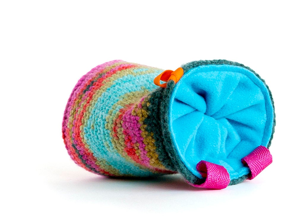 Cool chalk bag, knitted