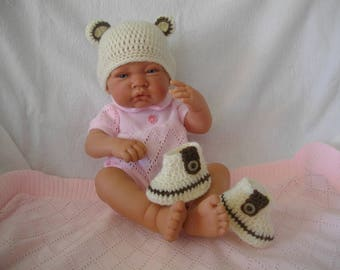 Hat and booties, hand made crochet