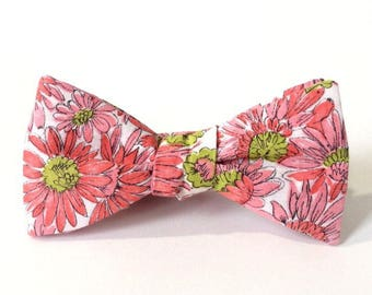Pink & Green Daisies Floral Freestyle Bow Tie / adjustable 15 - 19 inches