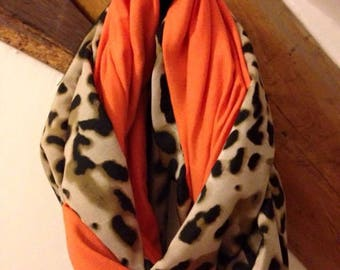 Tube scarf/scarf light and fresh for spring / leopard and orange