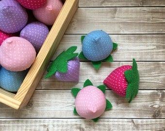 felt berries, felt strawberry, play food fruit, pretend berries, felt food strawberry, play kitchen food