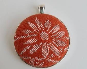 Wrap Scrap Jewelry - Large Pendant - Oscha - Shire Cormarë - Wrap Scrap - Daisy - Flower - Orange
