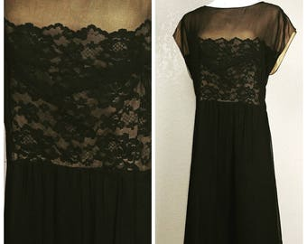 Clearance *** Stunning Volup Vintage Illusion Lace Dress